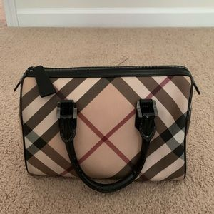 Burbery Cream And Black Satchel Bags.